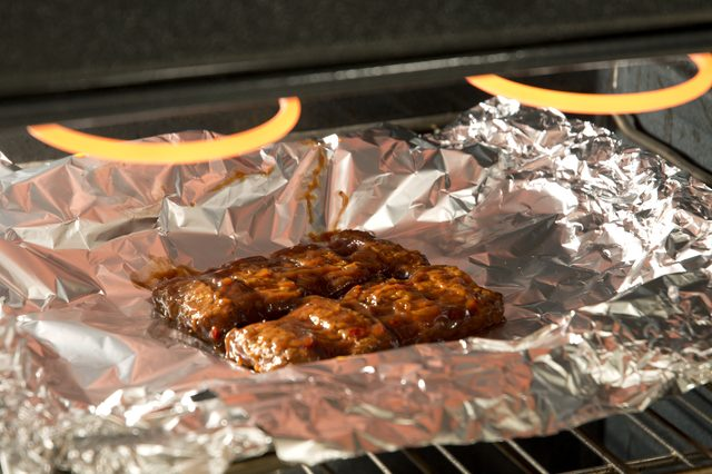 How to Reheat Ribs using an Oven