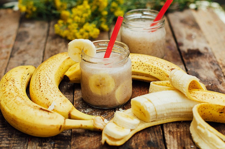 coconut-banana-mango-smoothie