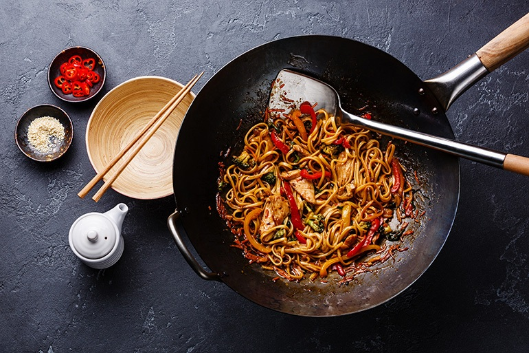 What-is-a-Carbon-Steel-Wok