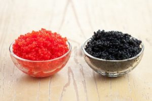 difference black red caviar